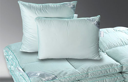 "Одеяло и подушки пуховые ""ШАРМ"""
