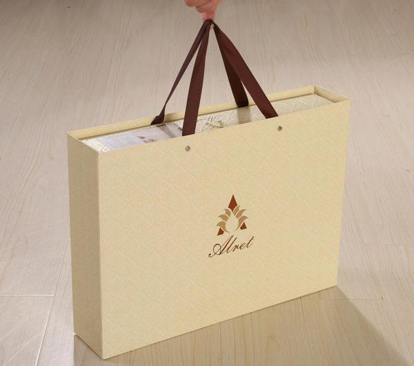 Образец упаковки жаккард-сатин от Kingsilk коллекции Alret