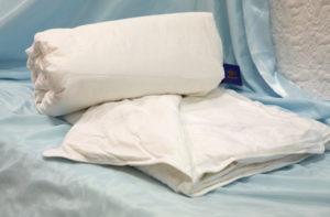 Шелковое одеяло 140/205 всесезонное Люкс (