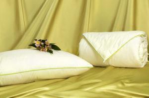 Шелковое одеяло Classic 150/210 (среднее) OnSilk (ОнСилк)