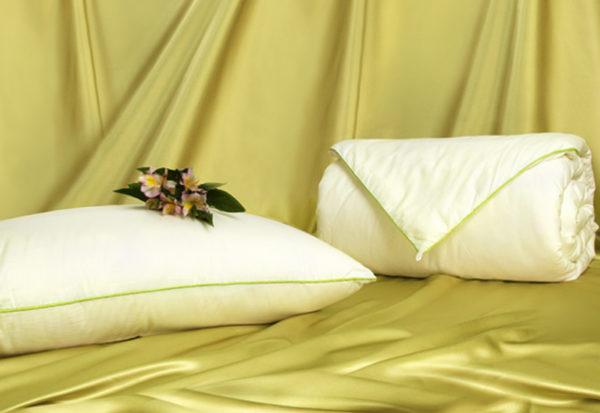 Шелковое одеяло Classic 200/220 (среднее) OnSilk (ОнСилк)