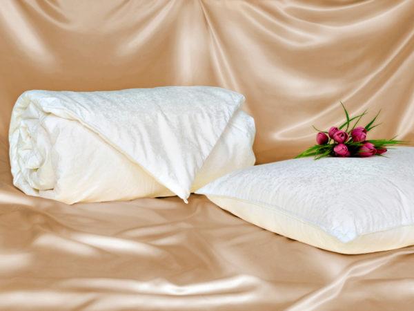 Шелковое одеяло Comfort Premium 150/210 (облегченное) OnSilk (ОнСилк)