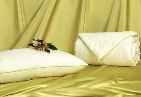 Шелковое одеяло Classic 150/210 (облегченное) OnSilk (ОнСилк)