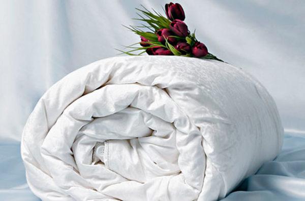 Шелковое одеяло Comfort Premium 220/240 (облегченное) OnSilk (ОнСилк)