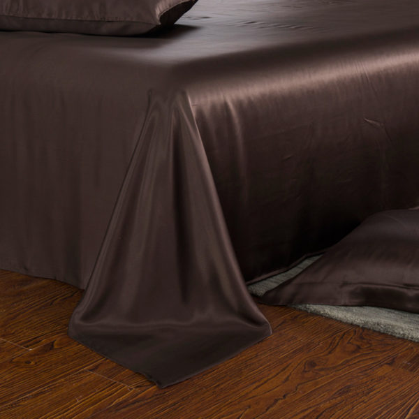 Шелковое постельное белье Luxe Dream Шоколад (простыня на резинке 180/200)