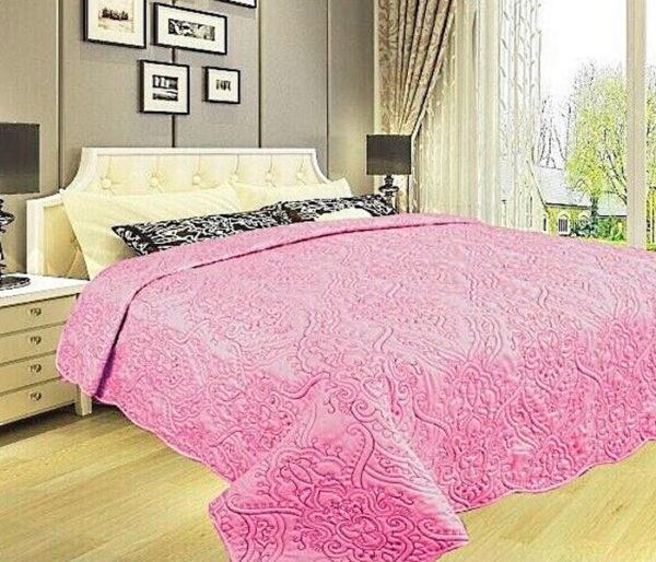 Покрывало на кровать Diva Afrodita 34-7 розовое CottonNew.ru