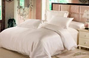 Шелковое постельное белье Luxe Dream Айвори (простыня на резинке 180/200)