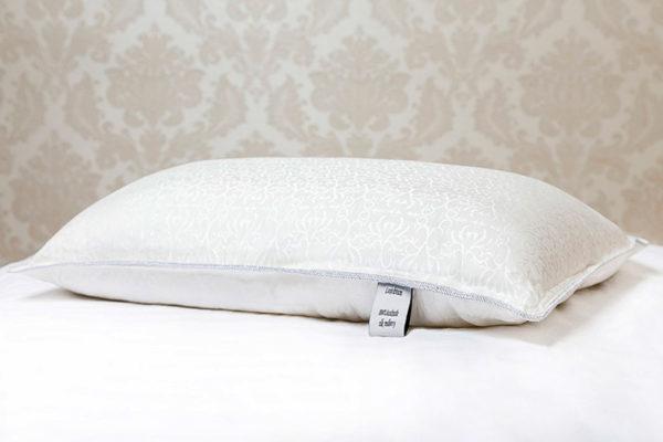Шелковая подушка 50/70 Luxe Dream Luxury 1,3 кг (средняя)