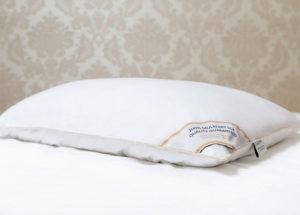 Шелковая подушка 50/70 Luxe Dream