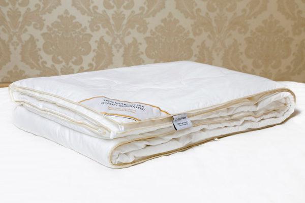 Шелковое одеяло 140/205 Luxe Dream Premium (всесезонное)
