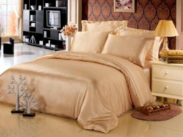 Шелковое постельное белье Luxe Dream Шампань (простыня на резинке)