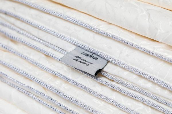 Шелковое одеяло в шелке Luxe Dream Premium (всесезонное) 140/205