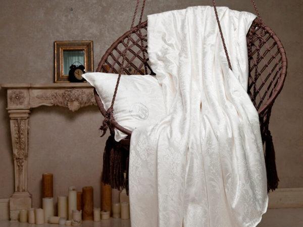 Одеяло шелковое Nature`s (Натурес) «Королевский шелк» 200/220