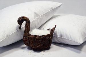 Подушка пухо-перовая Nature`s «Традиционная Классика» упругая