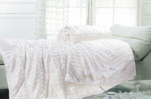 Одеяло шелк в шелке Asabella