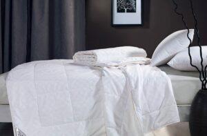 Шелковое одеяло Asabella